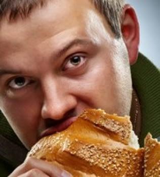¡No puedo dejar de comer pan… Comiendo pan!